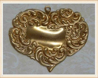 2 pcs raw brass heart victorian vintage ornate charm valentine 2 pieces #3632