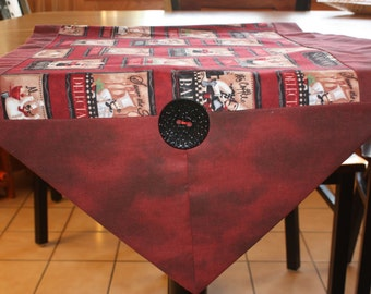 Chef/Bon Appetite,  Center table runner with button accent