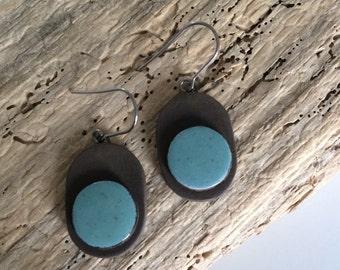 earrings, pending, blue, black, oval, round, ceramic