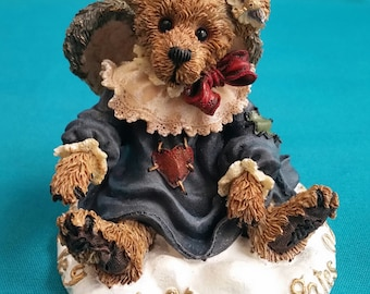 "Boyds Bears The Bearstone Collection ""Love Is The Master Key"" Figurine/Boyd Bears Figurine/The Bearstone Collection/Bear Figurine/228317"