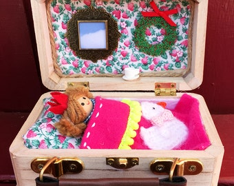 Traveling Doll House