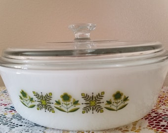 Anchor Hocking Fire King Ovenproof 1 1/2 Quart Covered Casserole Dish Milk Glass Meadow Green