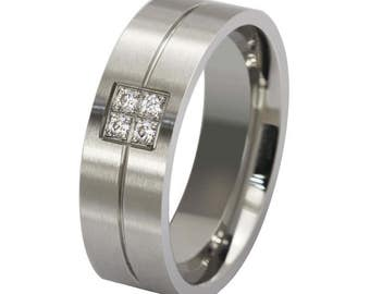 Stainless steel ring with 4 cubic zirconia size/size 11-12-13