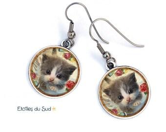 Boucles d'oreilles chatons,petit chat,résine ,crochets acier chirurgical/ref.52