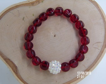 B1227 Red Glass Beaded Bracelet.