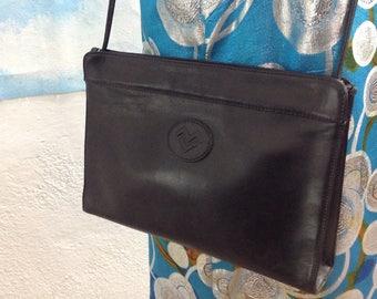 "M. Valentino purse. Leather purse. Shoulder Bag vintage ""Mario Valentino""."