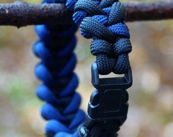 8 inch Black and Blue Men's Para Cord Survival Bracelet (FREE SHIPPING!)
