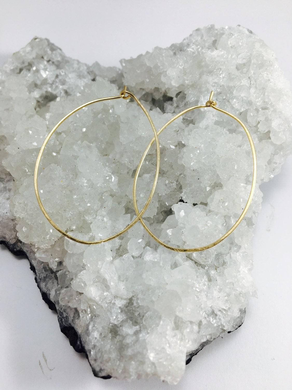 Gold fill// hammered hoop earrings// hammered hoop earrings//gold earrings // hammered jewelry // dainty earrings // minimalist
