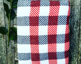 HOUSE OF BEULAH Checkered Blanket & Throw - 100% Cashmere, Red and Grey