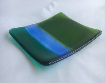 Blue and green accent dish