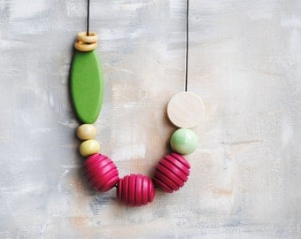 Geometric Necklace, Boho necklace, Statement Necklace, Bohemian Jewelry, Handmade necklace, Wooden necklace Green and Fuschia