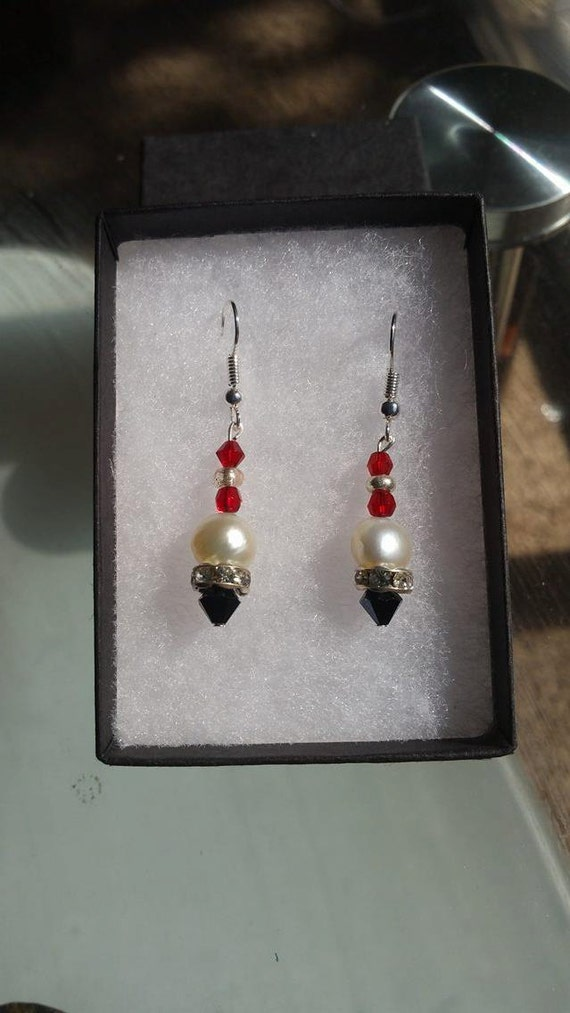 Pearl Earring. Freshwater white pearl. Red and Black beaded with pearl. Great for gift. Party wear. Perfect gift for Christmas