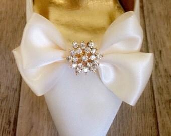 Shoe Clips, Bridal Shoe Clips, Wedding Shoe Clips, Shoe Clips for Wedding Shoes, Bridal Shoes, wedding, wedding shoes, bow, brooch
