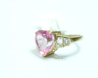 10k Yellow Gold 7.00ctw Heart Shaped Pink Topaz and 1.00ctw White Topaz Ring Size 6