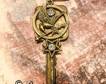 Steam punk key with star,rhinestone, sci fi, victorian, unique, necklace, retro, recycled, cyberbunk, games