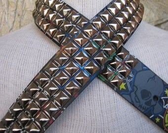 Punk it up!!! Fun belt with studs and skulls