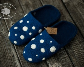 Adults Slippers Blue Slippers with White polka dots Wool Slippers Polka dots shoes Felt house shoes Boiled wool shoes Warm slippers