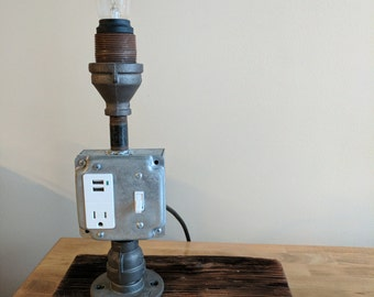 Reclaimed wood desk lamp with USB outlet