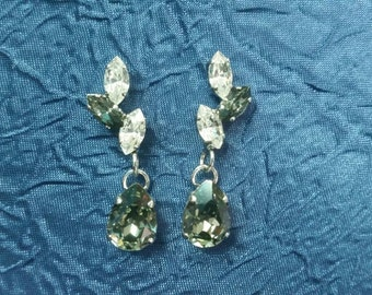 earrings with crystal clear crystals- Silver integrated with crystals CRYSTALLIZED™ - Swarovski Elements.