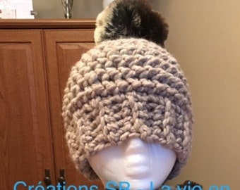 Tuque with pompon fake Brown rabbit fur