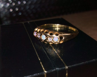 sale!! Antique opal and diamond 18ct gold ring