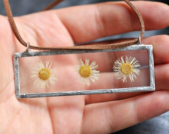 Three daisies in soldered glass,terrarium pendant