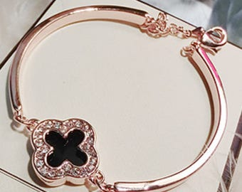 black 4 leaves clover bangle