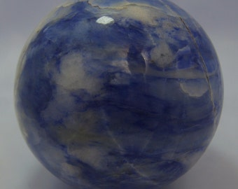 Beautiful looking Sozerlite Sphere blue and white colour 1020 Grams one ball