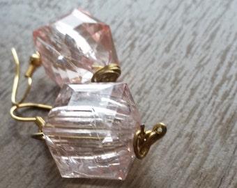 Gold wire earrings w/ pink bead