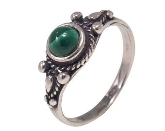 Malachite ring, silver Malachite ring, Malachite silver ring, silver ring, Malachite jewelry, small Malachite ring, green Malachite ring