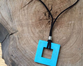 Turquoise Howlite Leather necklace