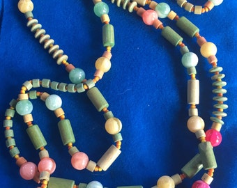 Vintage Wooden and Plastic Bead Bracelet
