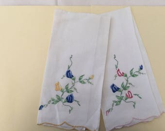 Vintage Guest Towels / Embroidered Sweetpeas