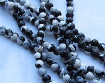 8MM CREAMY FIRE Agate / Gemstone beads on 15.5'' strands / Black and white creamy agate