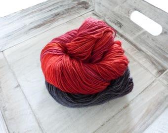 Socks wool cloth yarn hand 100 g merino blood coloured moon black grey red