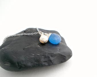 Blue Gemstone Freshwater Pearl Necklace, Wire Wrapped Sterling Silver Necklace, Gift Idea for Her, Collier Argent Pierre Bleue Perle