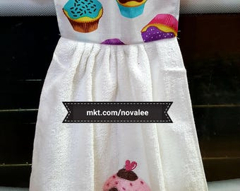 Cup cake hanging hand towel, cup cake, hand towel, kitchen towel, bathroom towel, hand towel, kitchen, bathroom, linens, pink, white, blue
