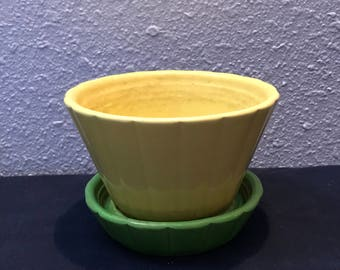 Vintage Shawnee Flower Pot Planter 534, Yellow and Green