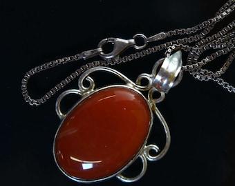 Vintage Oval Shaped Red Jasper Pendant Necklace 2196