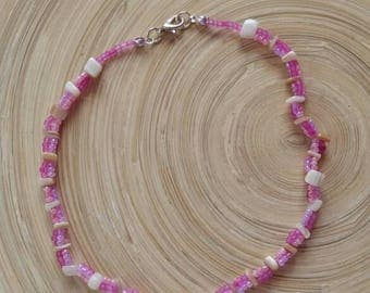 Beaded choker necklace in pink hues