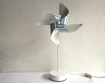 Pinwheel table lamp designed by Avant de dormir firm in Milan, white and blue stripes, made in Italy, with mark, 80s, one of a kind