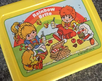 Vintage yellow RAINBOW BRITE  lunchbox tote