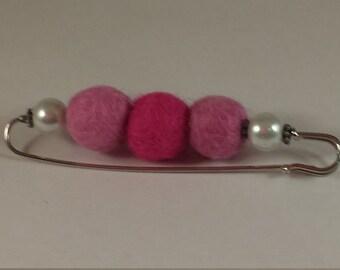 Brooch, pin nursemaid, wool felt, brooch pin