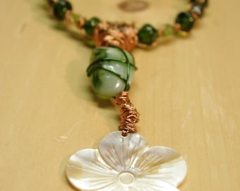 "Necklace ""The flower green"" done by hand. Festive and gorgeous! Very unique!"