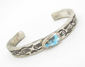 Unique 925 Sterling Silver Vintage Antique Navajo Turquoise Carved Cuff Bracelet - B053 (!!!OFFERS ACCEPTED!!!)