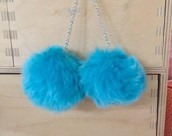 Large pom-pom earrings