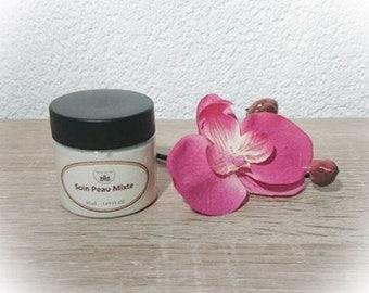 Cream face powder for oily skin