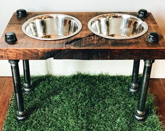 Warner Style Raised Dog Feeder made from Reclaimed Barn Wood and Black Pipe.  Perfect for mid-sized to larger dog!