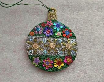 Round Ornament 9