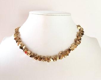 Flower sequins necklace